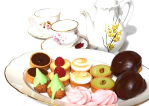 foto-high-tea-zoet-op-bord2